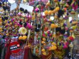 কানে দুলুক সুতোর দুল, উত্তর-দক্ষিণ এটাই পুজোর সাজের হিট মন্ত্র
