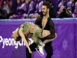 Winter Olympics 2018 : স্কেটিং করতে গিয়ে পোশাক বিভ্রাট ফরাসি স্কেটার গ্যাব্রিয়েলিয়া প্যাডাকাকসের