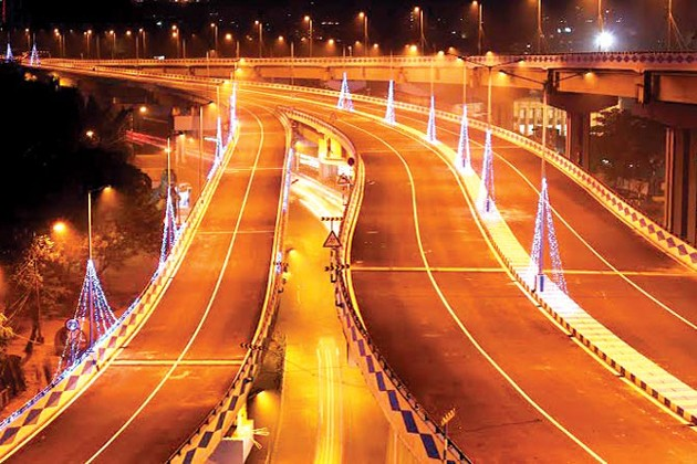 কলকাতা-বিমানবন্দর, জলাজমির উপর দিয়ে ৬.৫ কিমি দীর্ঘ উড়ালপুল