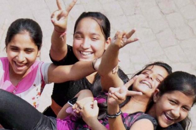 জয়েন্টে টেক্কা CBSE-এর, শীর্ষে কলকাতার দেবাদিত্য প্রামাণিক