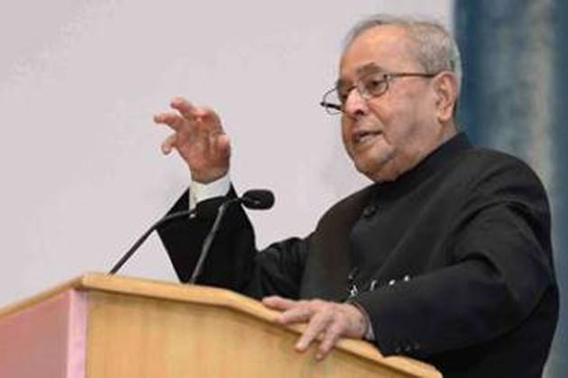 'শিক্ষা প্রতিষ্ঠানের মানোন্নয়নের দিকে নজর দিতে হবে', রাজ্যে শিক্ষার হাল নিয়ে সরব রাষ্ট্রপতি