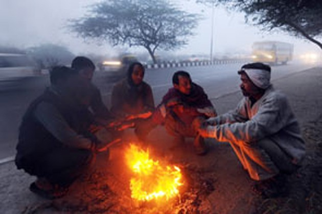কাশ্মীরে তুষারপাতের জের, রাজ্যজুড়ে বাড়বে শীতের দাপট