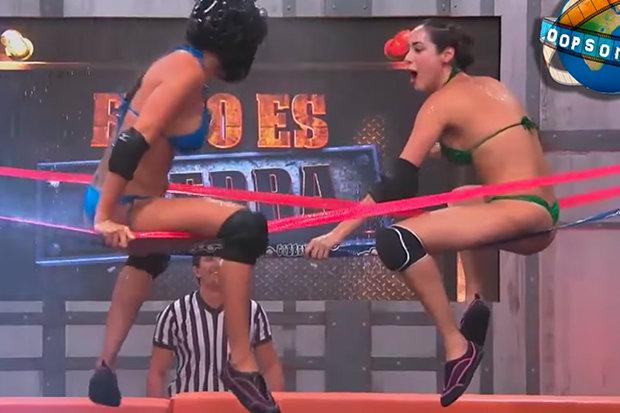 wrestling-naked-biting-807826