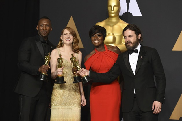"Mahershala Ali, winner of the award for best actor in a supporting role for ""Moonlight"", from left, Emma Stone, winner of the award for best actress in a leading role for ""La La Land"", Viola Davis, winner of the award for best actress in a supporting role for ""Fences"", and Casey Affleck, winner of the award for best actor in a leading role for ""Manchester by the Sea"", pose in the press room at the Oscars. Photo-AP"