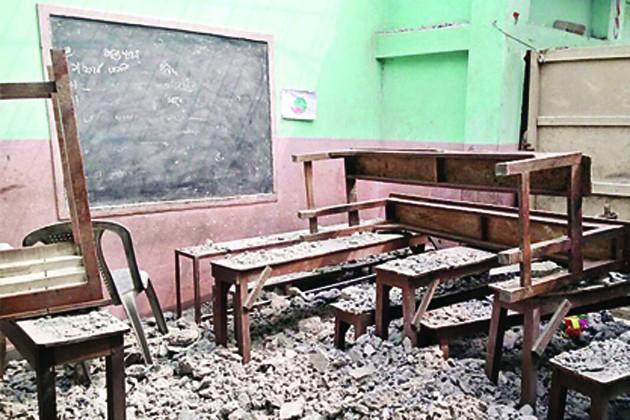 মুখ্যমন্ত্রীর অনুদানে সংস্কার, ১ মাস ১০ দিন পর খুলে গেল স্কুল