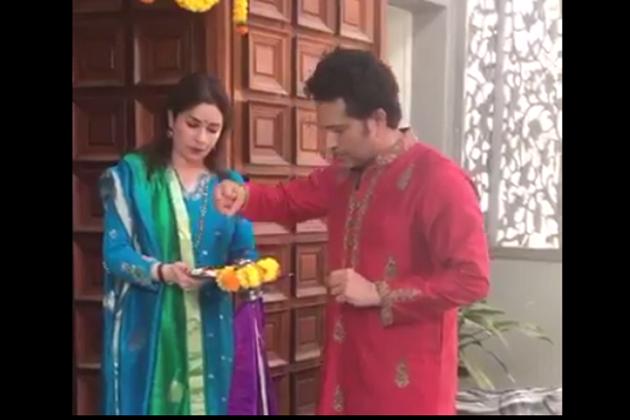 স্ত্রী অঞ্জলির সঙ্গে নতুন ভিডিও শেয়ার করলেন সচিন