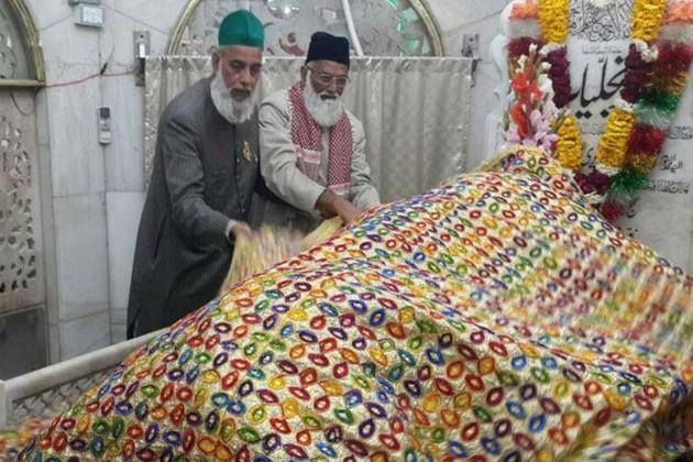 খোঁজ মিলল পাকিস্তানে নিখোঁজ ২ ধর্মগুরুর
