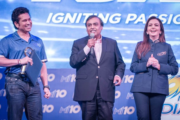 Mumbai Indians – the founding member franchise of Indian Premier League since 2008, celebrated a decade long completion of its cricketing excellence in Mumbai on 10th April. Pegged as 'MI10' – Igniting Passion For 10 Years, the Mumbai Indians' 10 year celebration saw a galaxy of past and present Mumbai Indians cricketers and support staff including current India coach Anil Kumble, Sanath Jayasuriya, Shikhar Dhawan, Harsha Bhogle and former Indian cricketers ie, Sunil Gavaskar, Ajay Jadeja, Abey Kuruvilla arrive at the franchise owners' residence. Nita Ambani, on the occasion felicitated cricketing legend and Mumbai Indians 'Icon' Sachin Tendulkar, Harbhajan Singh and Lasith Malinga for their invaluable contribution to the team over the decade. Mumbai Indians is the only franchise amongst the IPL founding members, which has three members being part of the club since its inception. The trio are known as the 'Spine', 'Sprit' and the 'Soul' in the Mumbai Indians inner-circle.