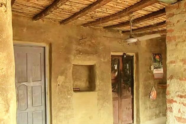 ৩ দিন পরেও থমথমে লাভপুরের দরবারপুর, আতঙ্কে স্কুলে যাচ্ছে না পড়ুয়ারা