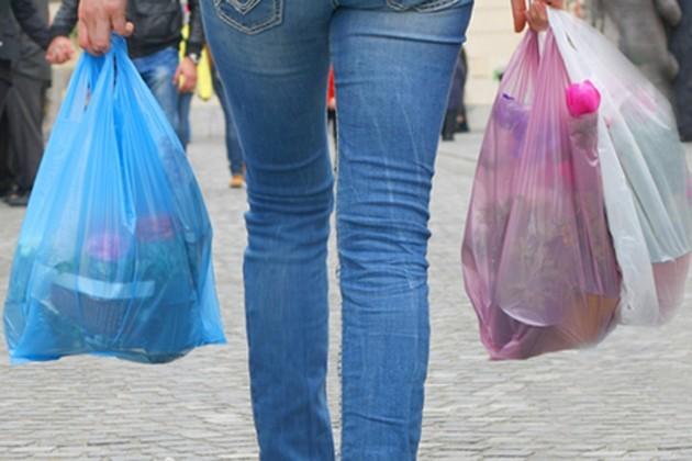 প্লাস্টিক ব্যাগ ব্যবহার করলেই এবার ৫ হাজার টাকা জরিমানা