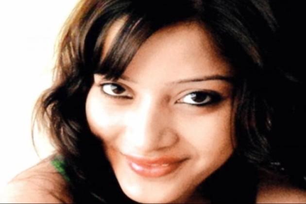 শিনা বোরা হত্যাকাণ্ডের তদন্তকারী অফিসারের স্ত্রীর রহস্যজনক মৃত্যু