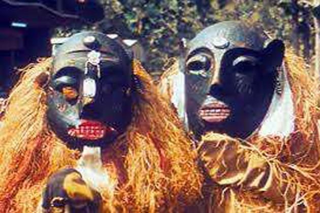 ডাইনি সন্দেহে আদিবাসী মহিলাকে মারধর, গ্রাম থেকে তাড়ানোর হুমকি