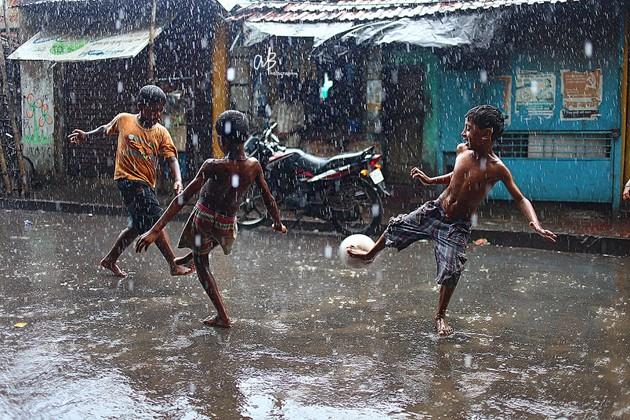 কলকাতায় আসছে ঝড়, সঙ্গে শিলাবৃষ্টি