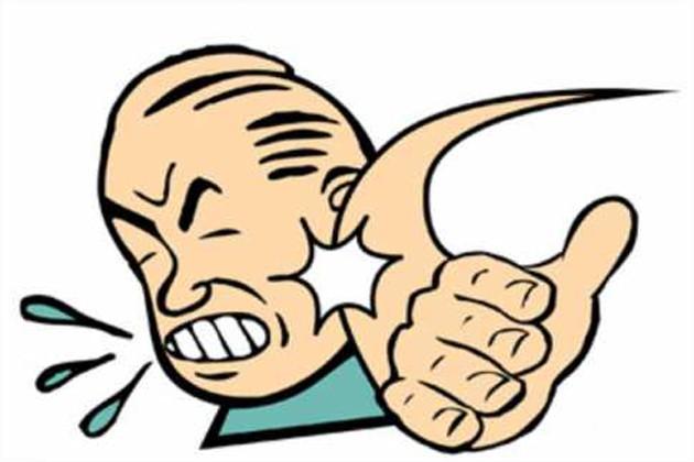 হেডমাস্টারের চড়ে অসুস্থ ছাত্র, মাস্টারমশাইকে ঘরে আটকে রেখে বিক্ষোভ গ্রামবাসীদের !
