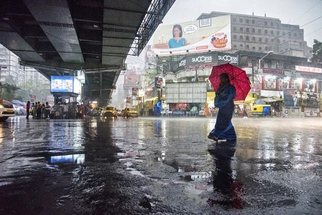 আগামী তিনদিন বিক্ষিপ্ত বৃষ্টি কলকাতা সহ দক্ষিনবঙ্গে