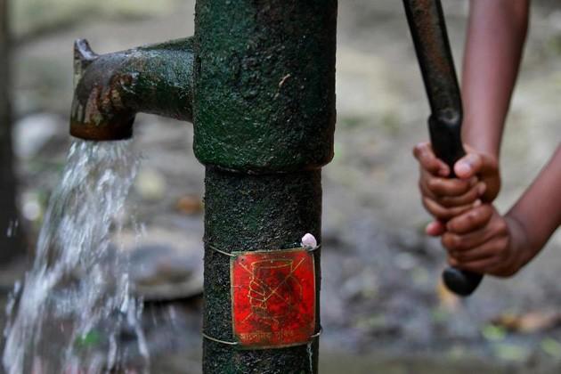 আর্সেনিক মুক্ত পানীয় জলের অবৈধ কানেকশনে বাধা দেওয়ায় অশান্তি জয়নগরে