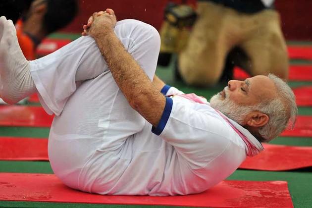 #International Yoga Day: 'সুস্থ থাকতে যোগের ভূমিকা অপরিসীম', বলেলেন মোদি