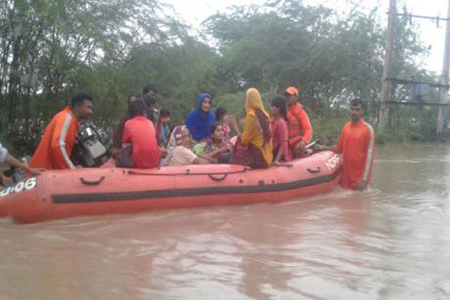 gujrat-flood-1