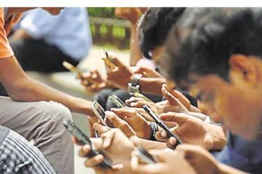 ফের চমক জিও-র, এবার কলেজ পড়ুয়াদের জন্য থাকছে ফ্রি ওয়াই-ফাই