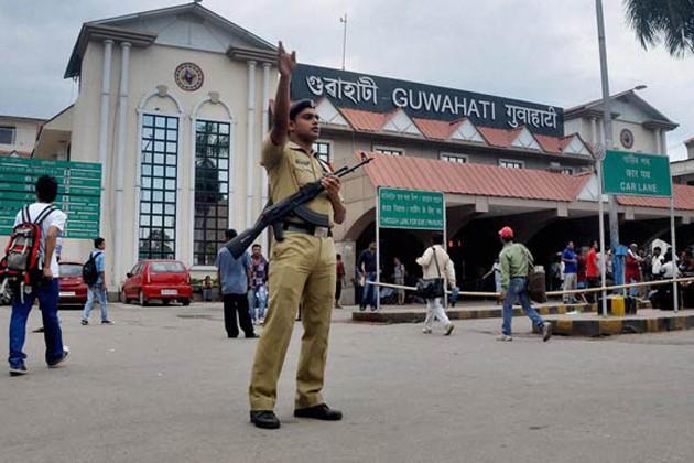 গুয়াহাটি স্টেশনে নাশকতার ছক, উদ্ধার ১০ কেজি বিস্ফোরক