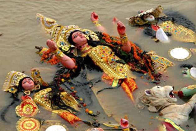 মহরম-একাদশী একদিনে, সম্প্রীতি রক্ষায় এদিন বিসর্জনে নিষেধাজ্ঞা মমতার