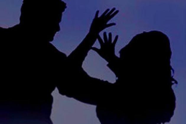 স্বামীর বিবাহবহির্ভূত সম্পর্কের প্রতিবাদ করায় নির্মম অত্যাচারের শিকার গৃহবধূ !