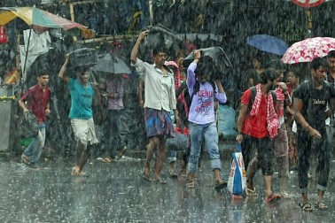 কলকাতা-সহ দক্ষিণবঙ্গে বজ্রবিদ্যুৎ-সহ বৃষ্টির সম্ভাবনা