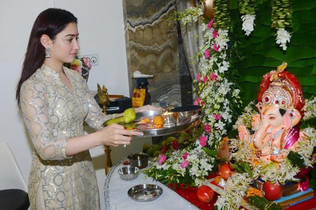 গণেশের আরাধনায় অভিনেত্রী তামান্না ভাটিয়া ৷ Photo: PTI