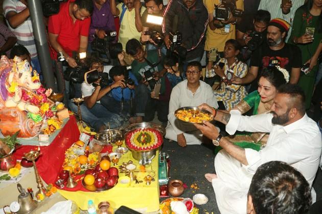 জয় মঙ্গল মূর্তি ! Photo: PTI