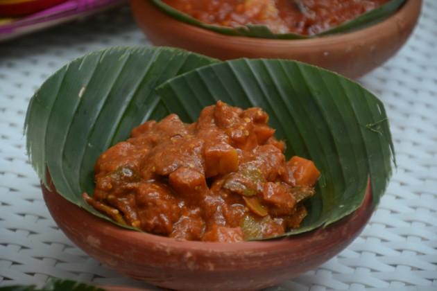 কীভাবে পাঠাবেন? ক্লিক করুন এখানে  http://bengali.news18.com/durga-puja-2017-contest/recipe/ Photo Taken by Aryama Das