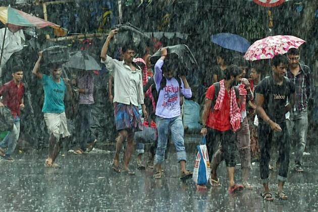 কলকাতা জুড়ে বজ্রবিদ্যুৎ-সহ বৃষ্টির সম্ভাবনা