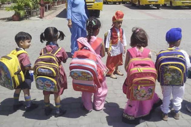 পুজোয় স্কুল খোলা রাখার নির্দেশ!
