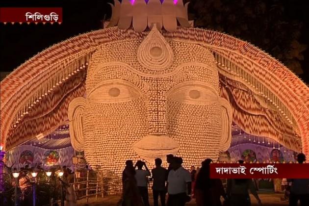 সপ্তমীতে সর্বত্রই উপচে পড়া ভিড়, কলকাতার সঙ্গে পাল্লা দিচ্ছে জেলাও