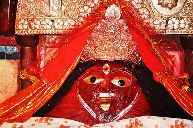 নলহাটেশ্বরীতে জমজমাট কালীপুজো, সকাল থেকেই ভক্তের সমাগম