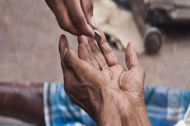 ভিক্ষে চাওয়ার খবর দিলেই মিলবে ৫০০ টাকা সরকারি পুরস্কার