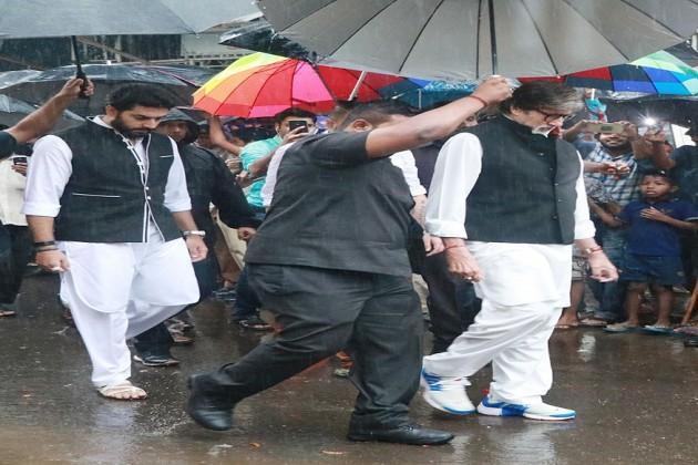 Abhishek-Bachchan-and-Amitabh-Bachchan