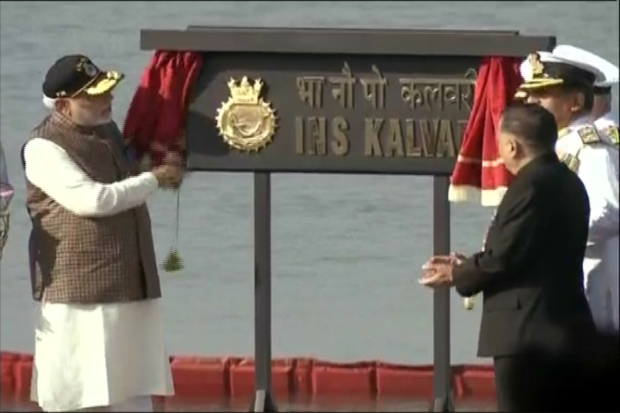 PM Narendra Modi unveils the plaque of INS Kalvari.