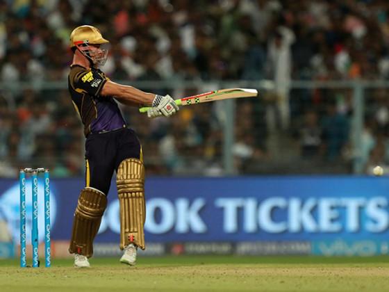 তবে ক্রিস লিন যে ধীরে ধীরে পিক আপ করছেন তা তাঁর এদিনের ৪২ বলে ৪৫ রানের ইনিংস দেখেই বোঝা গেল ৷ Photo Courtesy: IPL/BCCI