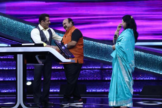 গোয়ালিয়রে একটি বিয়েবাড়িতে অভিনেতা গোবিন্দার স্টাইলে তাঁর নাচই ইন্টারনেটে ছড়িয়ে পড়েছে। (Image Courtesy: Sony Entertainment Television)