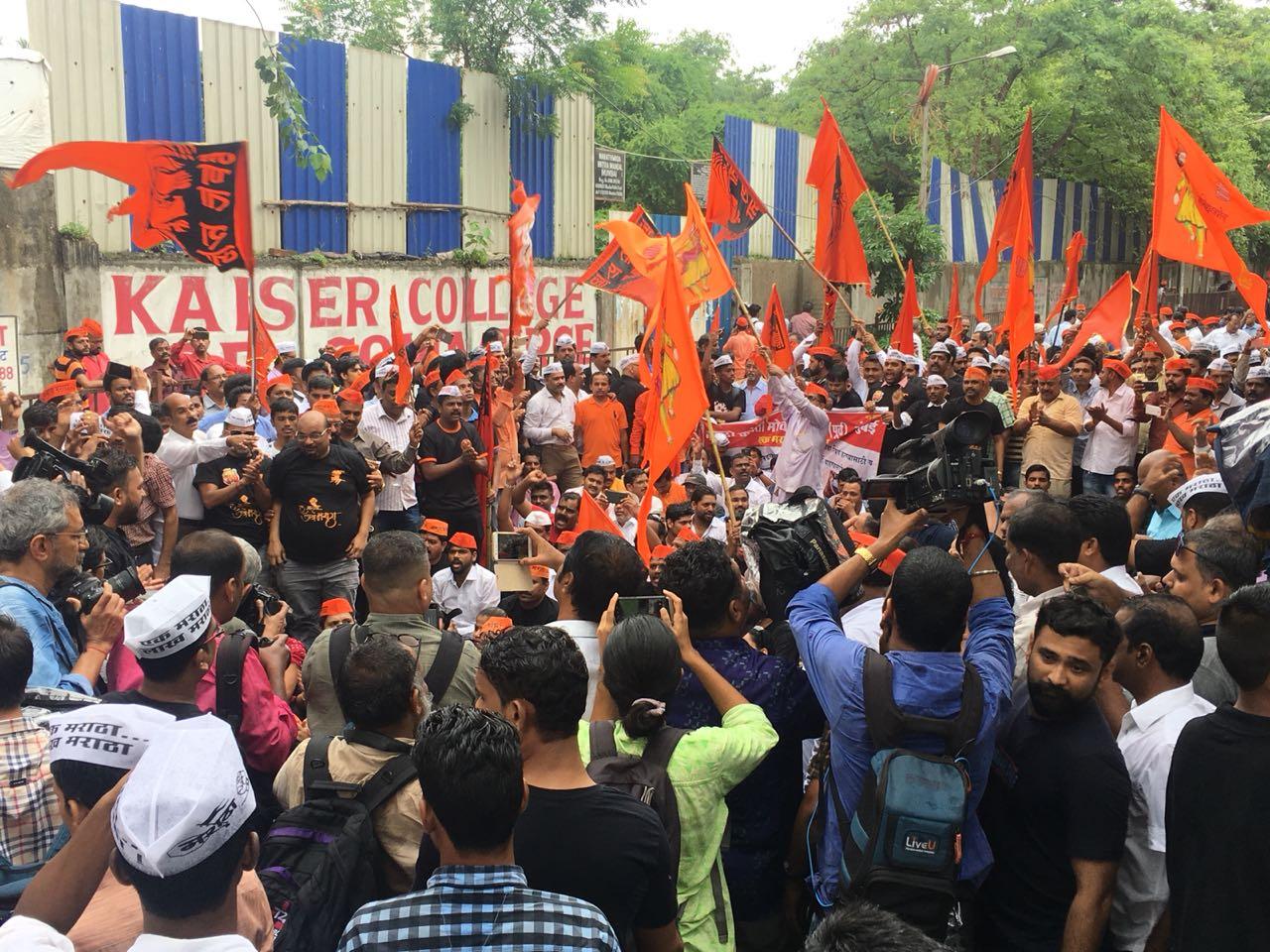 ঔরঙ্গাবাদে রাস্তা বন্ধ করে দিয়েছে বিক্ষোভকারীরা৷ (Image: News18)