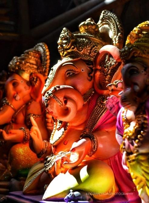 • ছোট চোখ: ছোট চোখ আসলে মনঃসংযোগের প্রতীক ৷ Photo: Debmalya Das