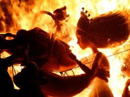 In Pictures: এই উৎসবে শুধু জ্বলবে আগুন, স্পেনে নিয়ম এমনটাই !