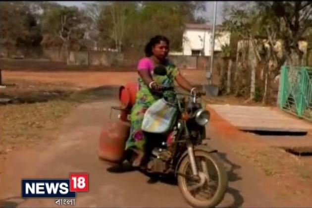 নারী দিবস স্পেশাল: স্বামীর অত্যাচার উপেক্ষা করে ঘুরে দাঁড়ানোর লড়াই মল্লিকার
