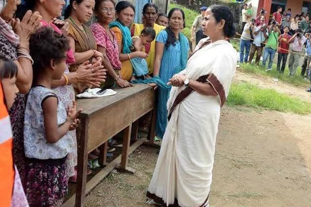 মোর্চার বাড়বাড়ন্ত রুখতে জোড়া হুঁশিয়ারি মমতার ! বিভাজনের রাজনীতি 'বরদাস্ত' নয় বলে বার্তা