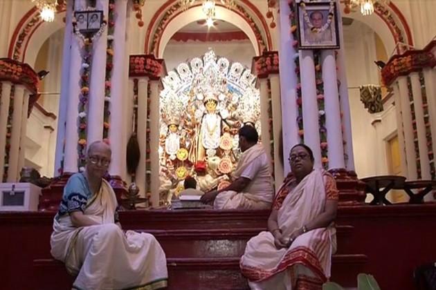 মাতৃ আরাধনায় জমজমাট শোভাবাজার রাজবাড়ি