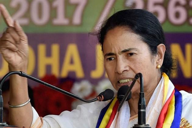 'দুর্গাপুজো নিয়ে রাজনীতি নয়', নবান্নে সাংবাদিক বৈঠকে মুখ্যমন্ত্রী মমতা