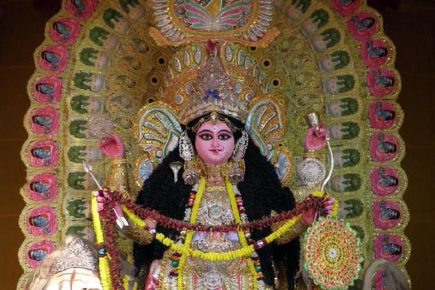 আজ নবমী, চন্দননগর-বেলুড়মঠ সহ গোটা রাজ্য মেতেছে জগদ্ধাত্রী পুজোয়
