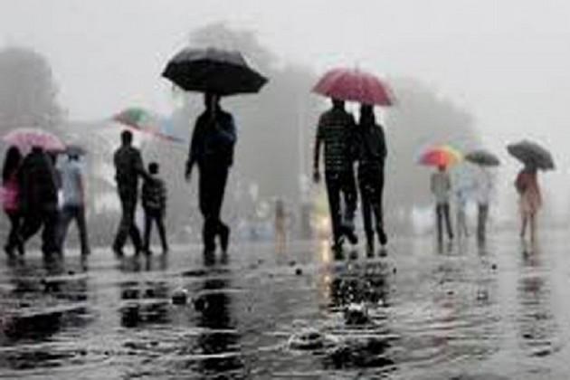 শক্তি সঞ্চয় করছে বঙ্গোপসাগরের নিম্নচাপ, কলকাতাসহ জেলায় বৃষ্টির সম্ভাবনা