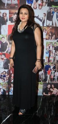 Poonam Dhillon attends Dabboo Ratnani's calendar launch event at JW Marriott Hotel in Mumbai. (Image: Yogen Shah)