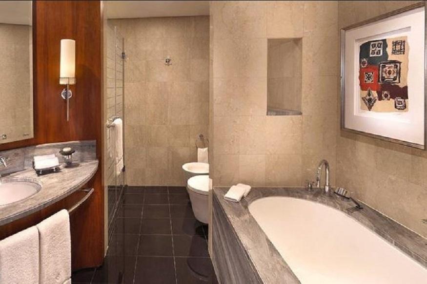Bathroom of Jumeirah Emirates Towers Hotel
